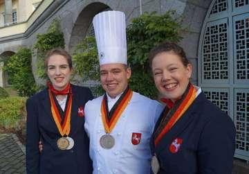 Restaurantfachfrau überzeugt bei deutschen Meisterschaften