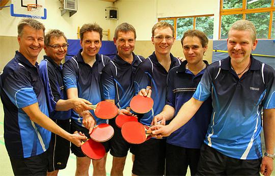 Mit einem Triple-Sieg verabschieden sich die Tischtennis-Herren des TSV Stuckenborstel in die Sommerpause
