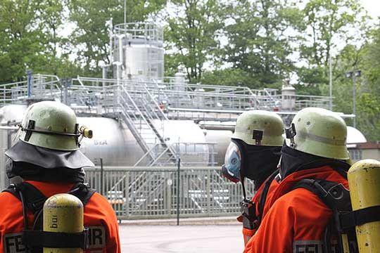 Einen langen Einsatztag erlebten die Angehörigen der Feuerwehren an der Versenkbohrstelle in Grapenmühlen    Foto: Hartmann