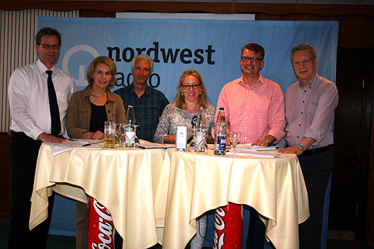 Klaus Söntgerath (links), Elke Twesten, Bernd Ebeling, Moderatorin Hilke Theessen, Klaus Torp und Dr. Harald Kassner        Foto: Voigt