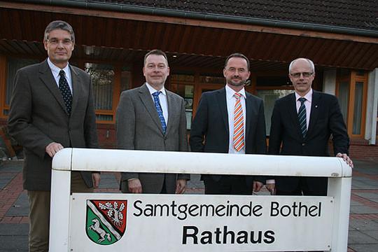 Dr. Frank Stümpel (links), Michael Hoopmann, Dirk Eberle und Hermann Luttmann hoffen auf eine hohe Beteiligung an der Fragebogen-Aktion      Foto: Voigt