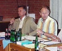 Samtgemeinde-Kämmer Michael Fehlig erläutert die Änderungen beim internen Finanzausgleich der Mitgliedgemeinden     Foto: Freudling
