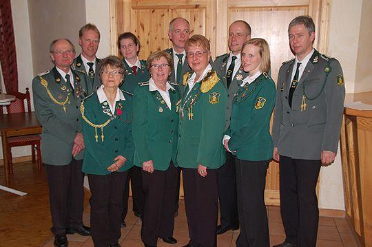 Die Geehrten während der Jahreshauptversammlung der Brockeler Schützen                  Foto: Voss