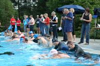 Start frei zur ersten Disziplin des Großen Triathlons                          Foto: Woyke