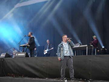 Die Hamburger Band Station 17 blicken in die Zukunft  Von Janila Dierks