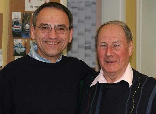 Vorsitzender Arno Gundlack gratulierte Benno Schurig (rechts) zur 35-jährigen Mitgliedschaft im Ottersberger Kanu-Club