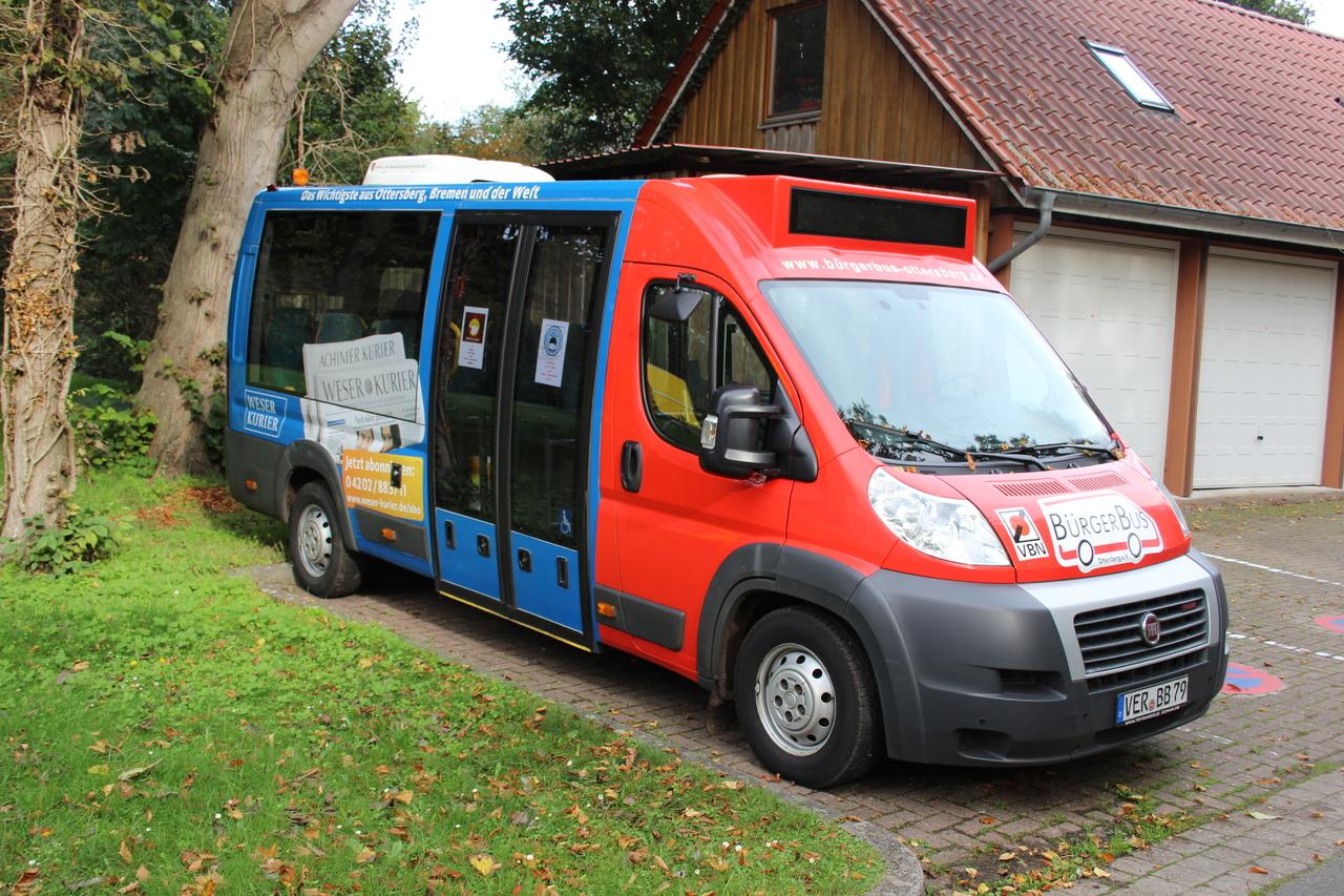 Bleiben vorerst im Depot: Bürgerbusse in Achim, Ottersberg, Oyten und Sottrum  Foto: Björn Blaak