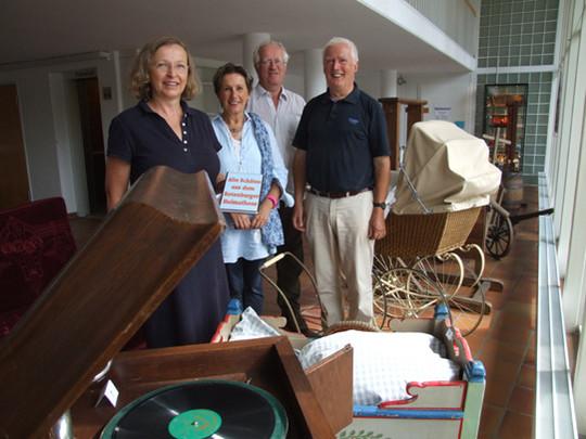 Christine Götze, Ute Scholz, Udo Frey, Manfred Göx und die übrigen Mitglieder des Magazin-Teams freuen sich auf viele Besucher, die sich an den alten Schätzen des Heimathauses erfreuen sollen      Foto: Olthoff