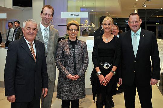Die Veranstalter von links: Werner Meyer (Projektmanager RWF), Heiko Kehrstephan (Vorsitzender RWF), Stefanie Kehrstephan, Natalie Braunsburger, Detlef Eichinger (Bürgermeister) Foto: Plage