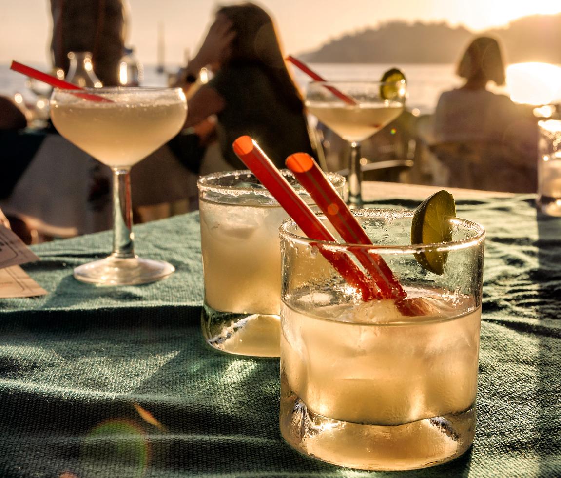 Cocktails schlürfen am Strand u2013 trotz Coronapandemie ist das auch dieses Jahr möglich: im neuen Sunset Beachclub am Rotenburger Weichelsee.