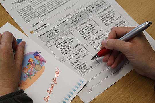 Die Eltern der Grund- und Förderschüler der Klassen eins bis vier im Südkreis erhalten in den kommenden Tagen die Fragebögen, für die aktuelle Befragung zur Einrichtung von Integrierten Gesamtschulen             Foto: Hartmann