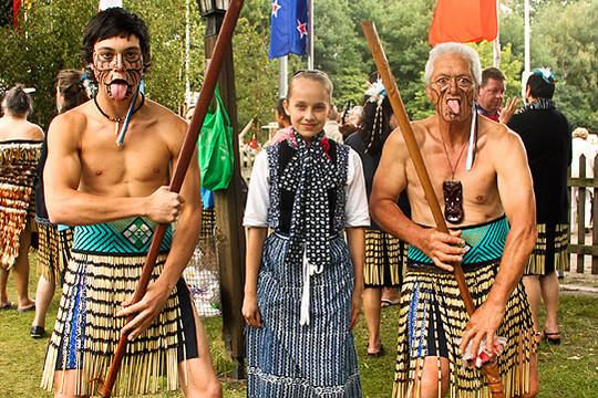 Für ihr internationales Festival nutzen die Beekscheepers ein Kontaktnetz, das bis in die polynesische Kultur der Maori hineinreicht