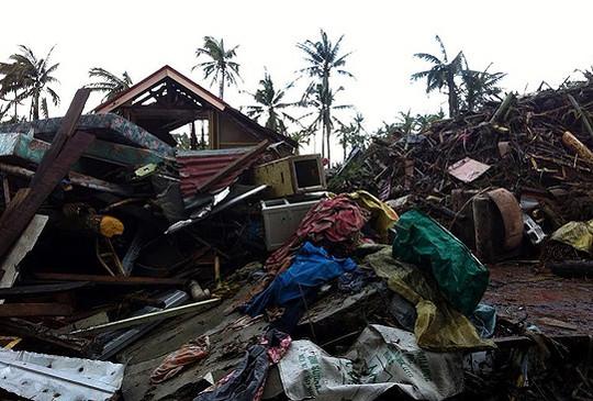 Die Not ist groß: Supertaifun Haiyan hinterließ auf den Philippinen eine Schneise der Verwüstung