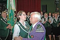 Nach der Proklamation gab es für Helmut Dittmer und Silke Bellmann einen Ehrentanz. Foto: Plage