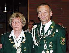 Die amtierenden Boscheler Erntemeister Rosemarie Meyer und Bernhard Kreft treten am Samstag ab