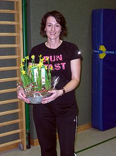 Die ehemalige Gruppenleiterin Diana Sawall wurde mit einem Präsent verabschiedet