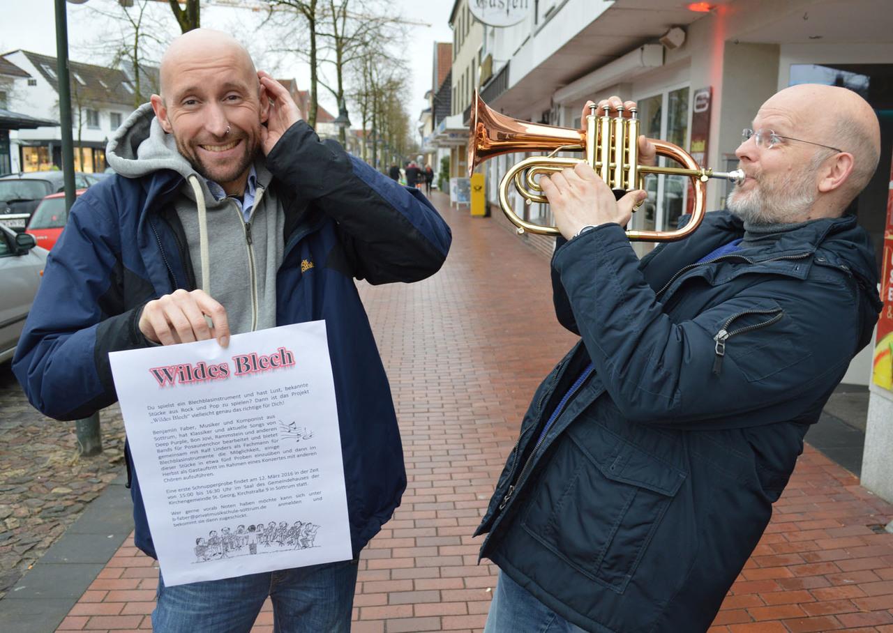 Bei Benjamin Faber (links) und Ralf Linders gibt es etwas auf die Ohren: Sie rufen das Bläser-Projekt