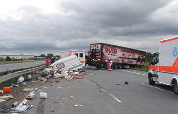 Fünf Verletzte bei Unfall auf A1  Schaden liegt bei 60000 Euro