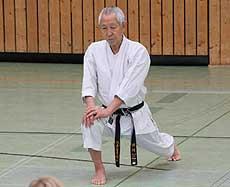 Bereits zum 13. Mal leitet der japanische Großmeister Shihan Koichi Sugimura aus der Schweiz einen Karatelehrgang in Sottrum