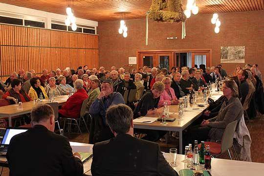 Das Interesse an der Einwohner-Infoversammlung in Wittorf zum Thema Lagerstättenwasser war groß      Foto: Hartmann