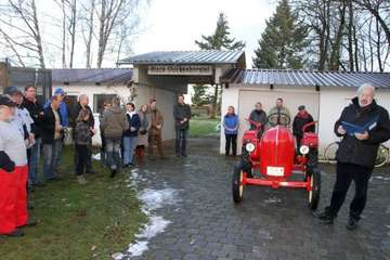 Trecker-Konfirmation des Dorfvereins Stuckenborstel