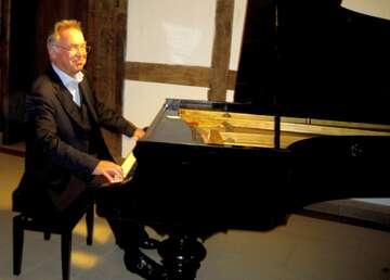 Hemslingen: Konzert Gottfried Böttger